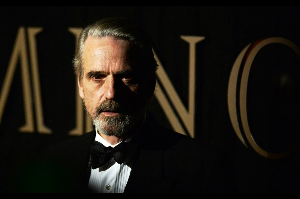 Meanwhile, Jeremy Irons has made it to the Paparazzi cordon and surprisingly they've parted to allow me a rather good shot of him.