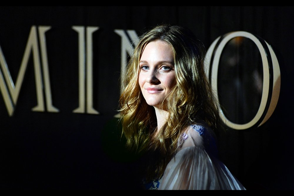 This is Romola Garai, who I have previously photographed many years ago at premieres for   'The Glorious 39'   and   'One Day'  .... ... I like the font they used for the word 'Luminous ' in the background....