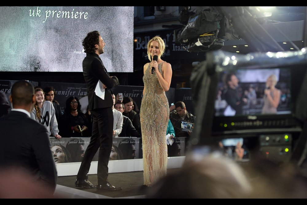 "September 6th : Jennifer Lawrence and Jennifer Lawrence's Dress at the    ""Mother!""    premiere."