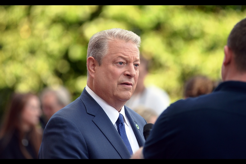 August 10th : I've finally photographed a former US Vice President! (Al Gore at the    'Inconvenient Sequel'    premiere)