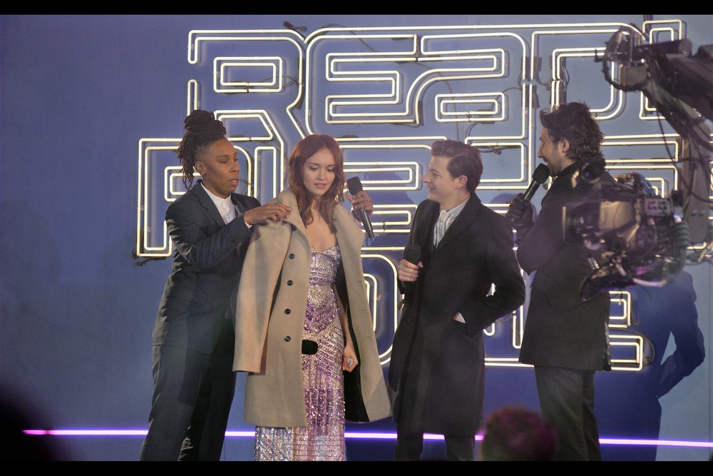Lena Waithe offers her jacket to Olivia Cooke, who is wearing the least number of layers of anyone on stage. Very classy - you rock, Lena Waithe!