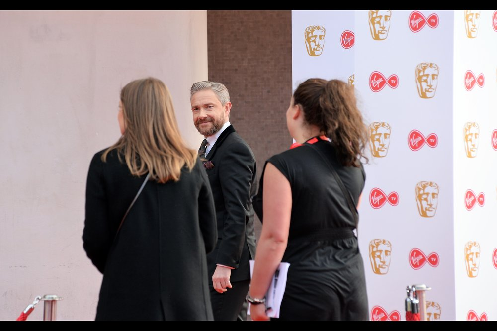 Man in Glasses proves to be Martin Freeman, best known for Coolly Casual Pen Throwing at the TV Baftas two years ago, and for being in Captain America Civil War and Black Panther and Sherlock and The Hobbit. LInks to follow, perhaps later.