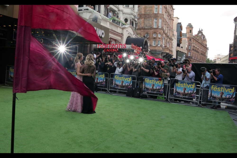 I used to love getting lens flares and starbursts at premieres (no reason... why, does there have to be a reason?) - but I so rarely have the right lens for it. But the Pentax Kit Lens 18-135mm is, weirdly, quite capable of it when not distracted by stray quarks and invisible insects and the like.