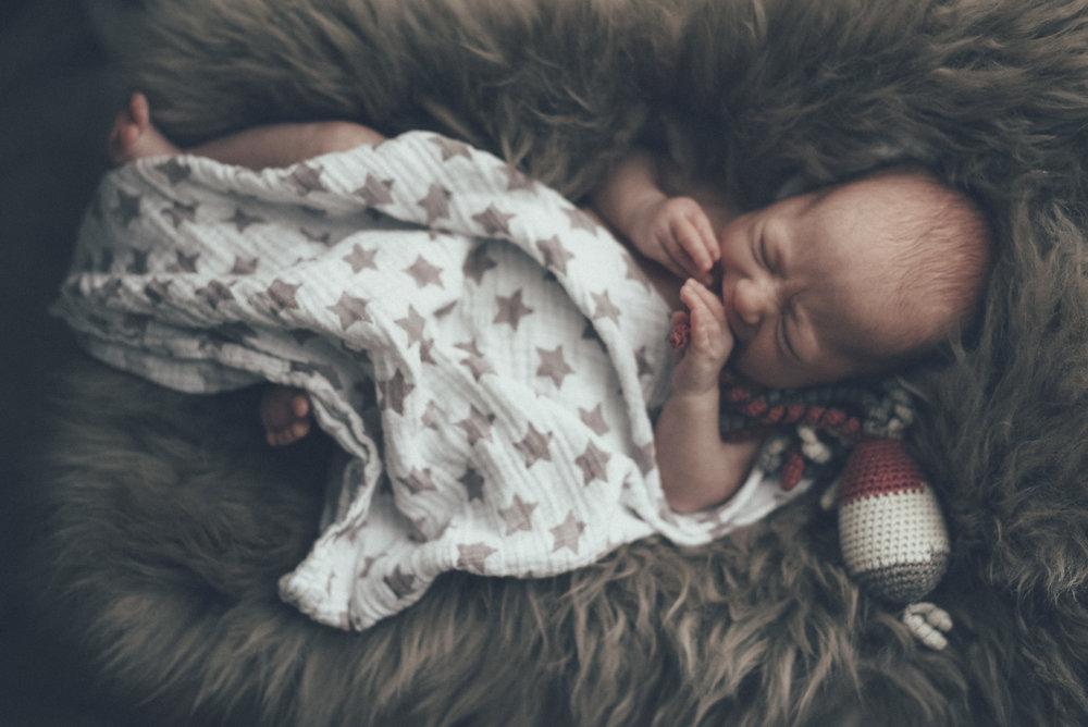 Baby photographer Luxembourg newborn