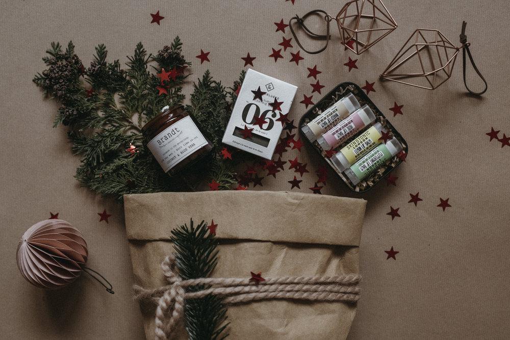 Christmas gift guide 2018 ideas 2.JPG
