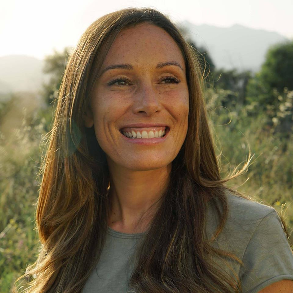 Danielle Redmond - Eating Psychology and Mind-Body Nutrition Counselor who advocates organic, local, & seasonal whole foods as a path to increasing health and vitality in peoples' lives.Follow her on instagram: @yumyumguru