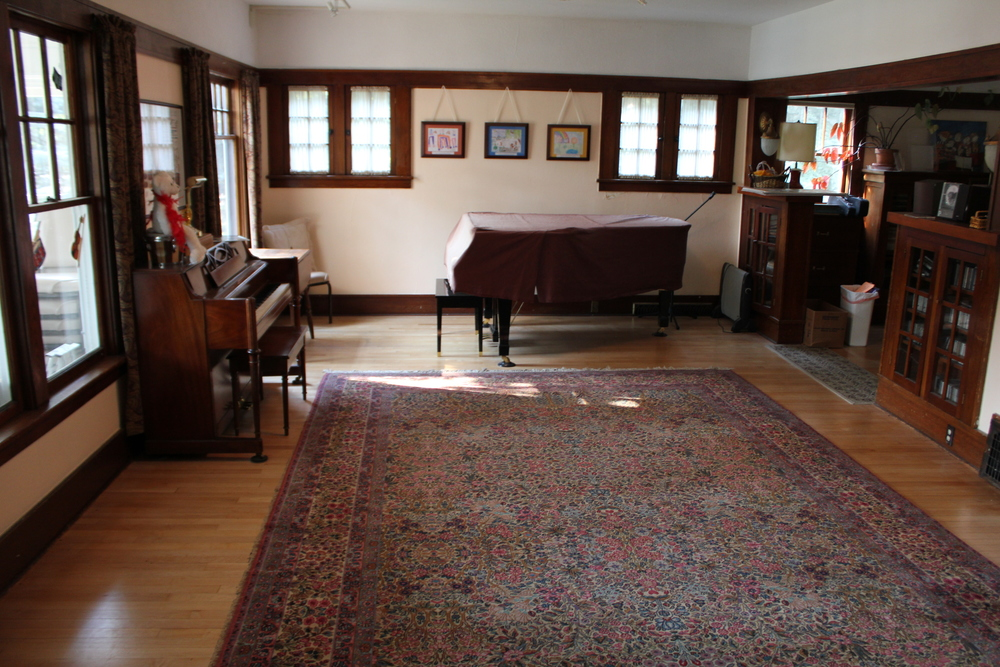 fRONT ROOM TO THE LEFT AS YOU WALK THROUGH THE MAIN ENTRANCE