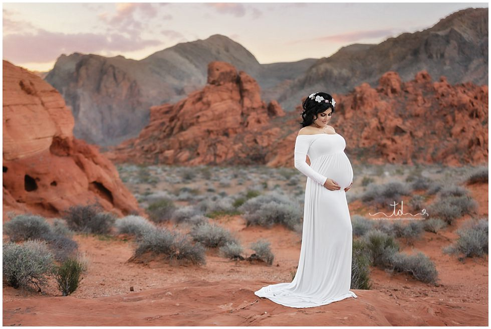 Valley of Fire Maternity | Utah Maternity Photographer | #twyladawnphotography