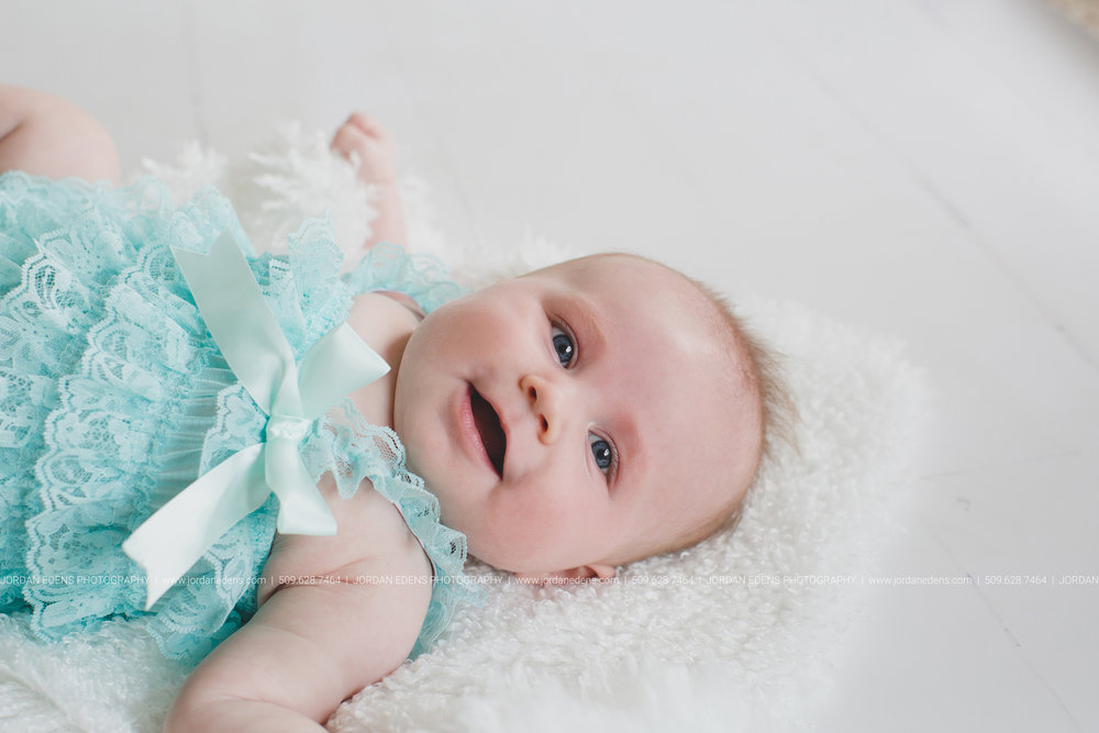 JEP_TriCities WA_Family Photographer_Adella 3 month_8