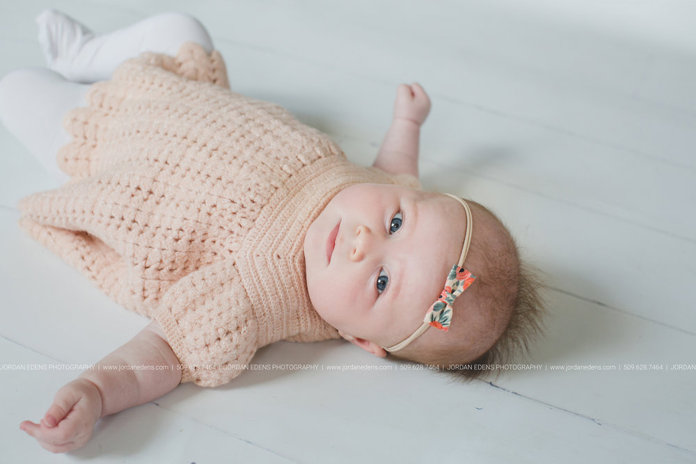 JEP_TriCities WA_Family Photographer_Adella 3 month_10