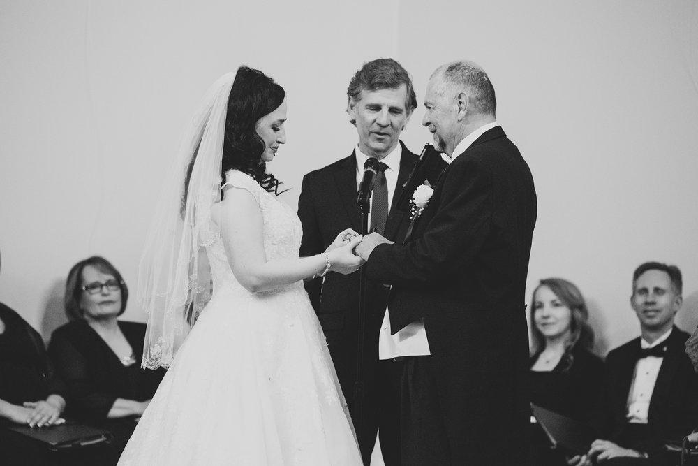 MitziGlenn_Jordan Edens Photography_Tri Cities Washington Wedding Photographer_41