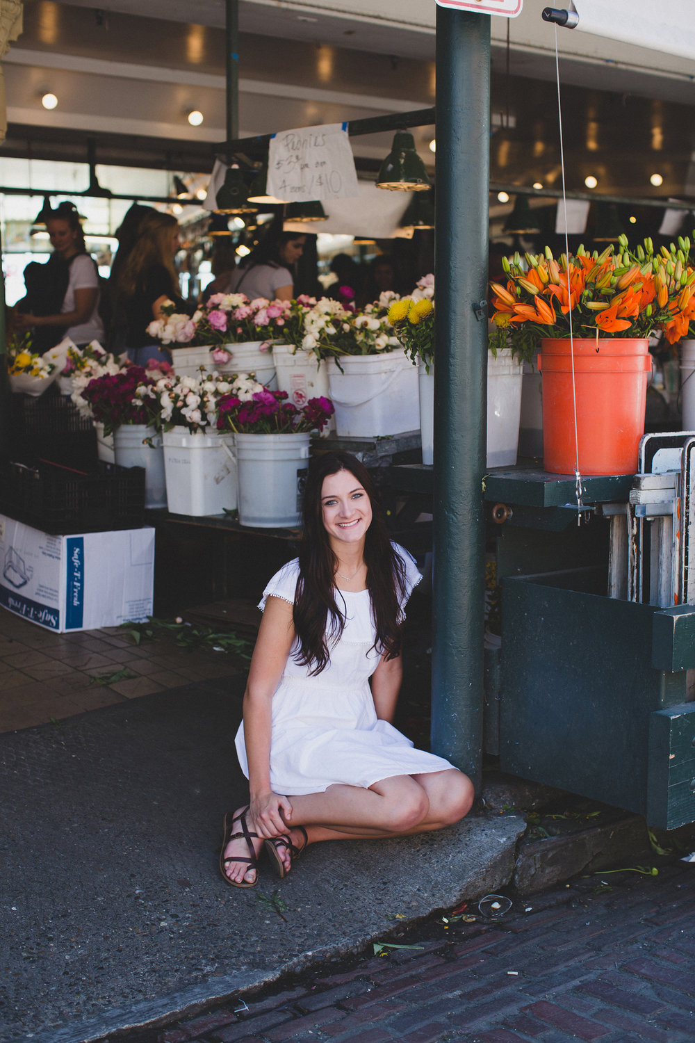 Tri Cities Senior Photographer_Seattle Senior session_Downtown Seattle_Aysha_White dress 26 Pikes place market peonies