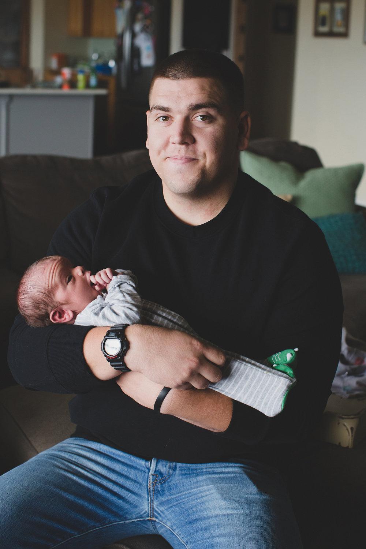 Jordan Edens Photography_Tri Cities Washington Photographer_Lifestyle newborn_Newborn family session_In home family session_Baby session_8