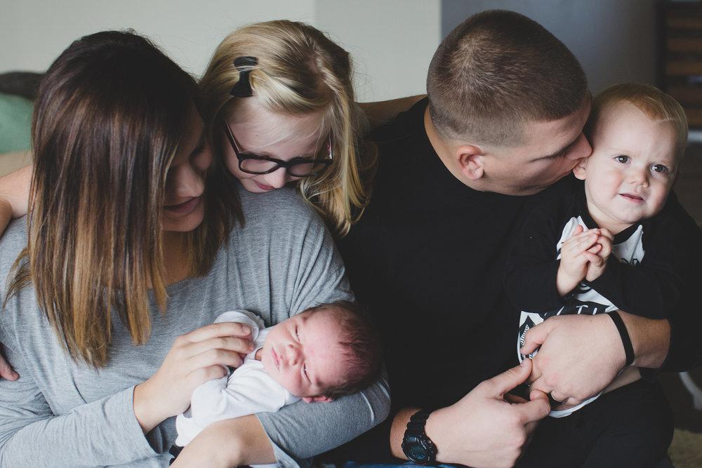 Jordan Edens Photography_Tri Cities Washington Photographer_Lifestyle newborn_Newborn family session_In home family session_Baby session_14