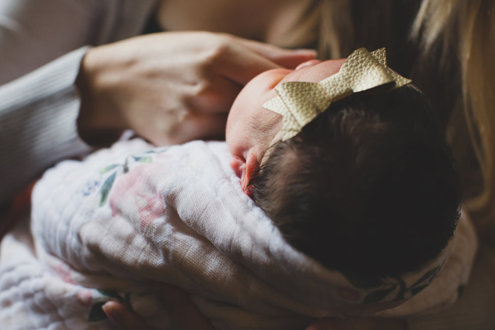 Tri Cities Washington lifestyle family photographer_Jordan Edens Photography_In home newborn session_newborn baby_lifestyle newborn session_family session_6