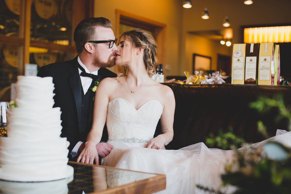 Jordan Edens Photography_Prosser wedding_styled wedding shoot_Washington wedding_winery wedding_bride and groom kiss_sweet wedding moments_must have bride and groom photos_Airfield estates winery_