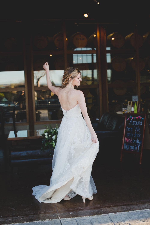 Jordan Edens Photography_Wedding wednesday_Tri Cities wedding_tri cities wedding photographer_pnw photographer_wedding dress_wedding gown_2