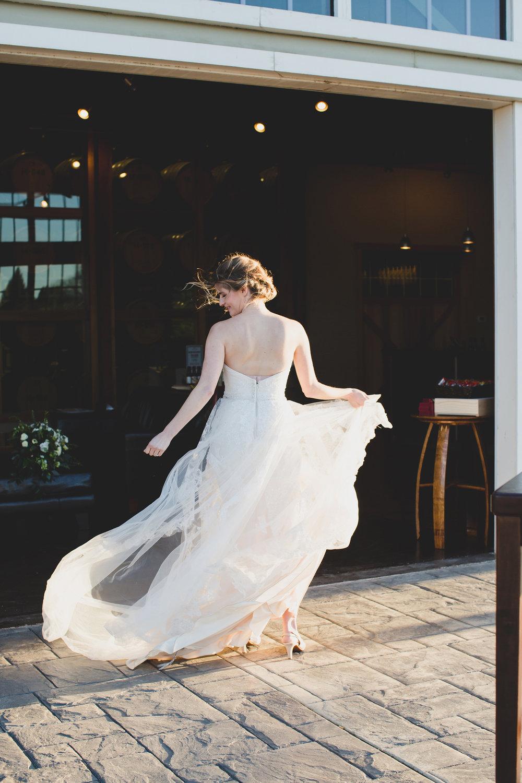 Jordan Edens Photography_Wedding wednesday_Tri Cities wedding_tri cities wedding photographer_pnw photographer_wedding dress_wedding gown_4