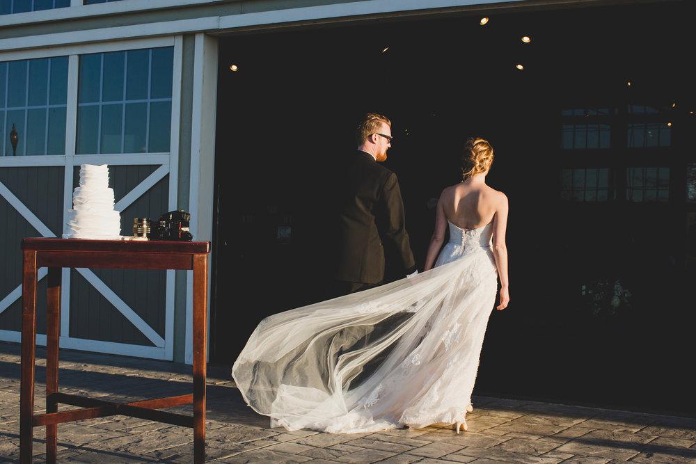 Jordan Edens Photography_Wedding wednesday_Tri Cities wedding_tri cities wedding photographer_pnw photographer_wedding dress_wedding gown_5