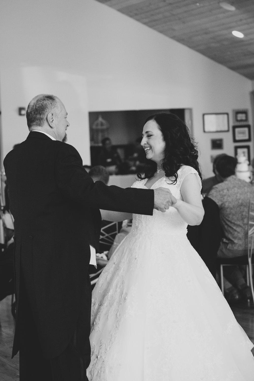 Jordan Edens Photography_Wedding wednesday_Tri Cities wedding_tri cities wedding photographer_pnw photographer_wedding dress_wedding gown_8
