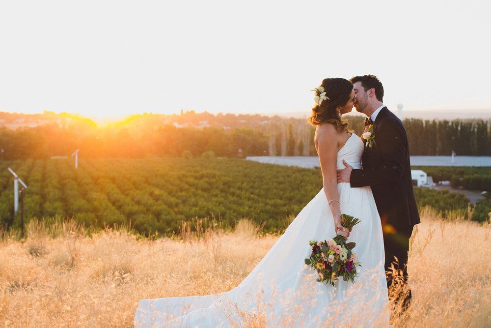 Jordan Edens Photography_Wedding wednesday_Tri Cities wedding_tri cities wedding photographer_pnw photographer_wedding dress_wedding gown_9