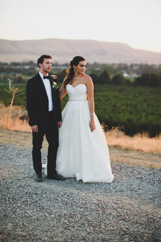 Jordan Edens Photography_Wedding wednesday_Tri Cities wedding_tri cities wedding photographer_pnw photographer_wedding dress_wedding gown_11