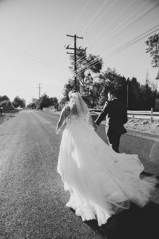 Jordan Edens Photography_Wedding wednesday_Tri Cities wedding_tri cities wedding photographer_pnw photographer_wedding dress_wedding gown_16