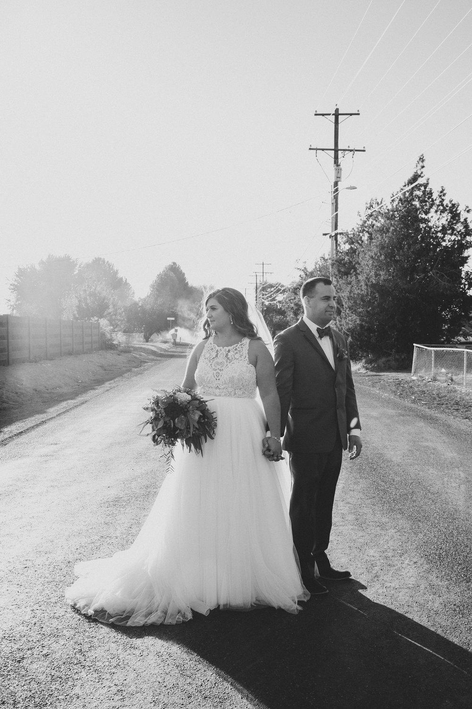 Jordan Edens Photography_Wedding wednesday_Tri Cities wedding_tri cities wedding photographer_pnw photographer_wedding dress_wedding gown_18