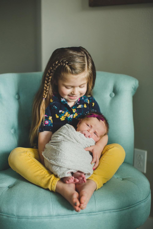 Tri Cities newborn photographer_lifestyle newborn_Kennewick photographer_richland photographer_family photographer_baby photographer_child photographer_1