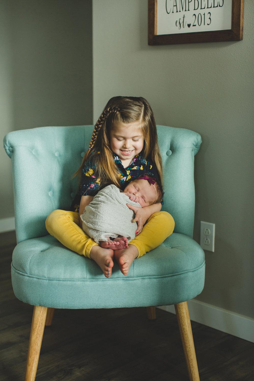 Tri Cities newborn photographer_lifestyle newborn_Kennewick photographer_richland photographer_family photographer_baby photographer_child photographer_2