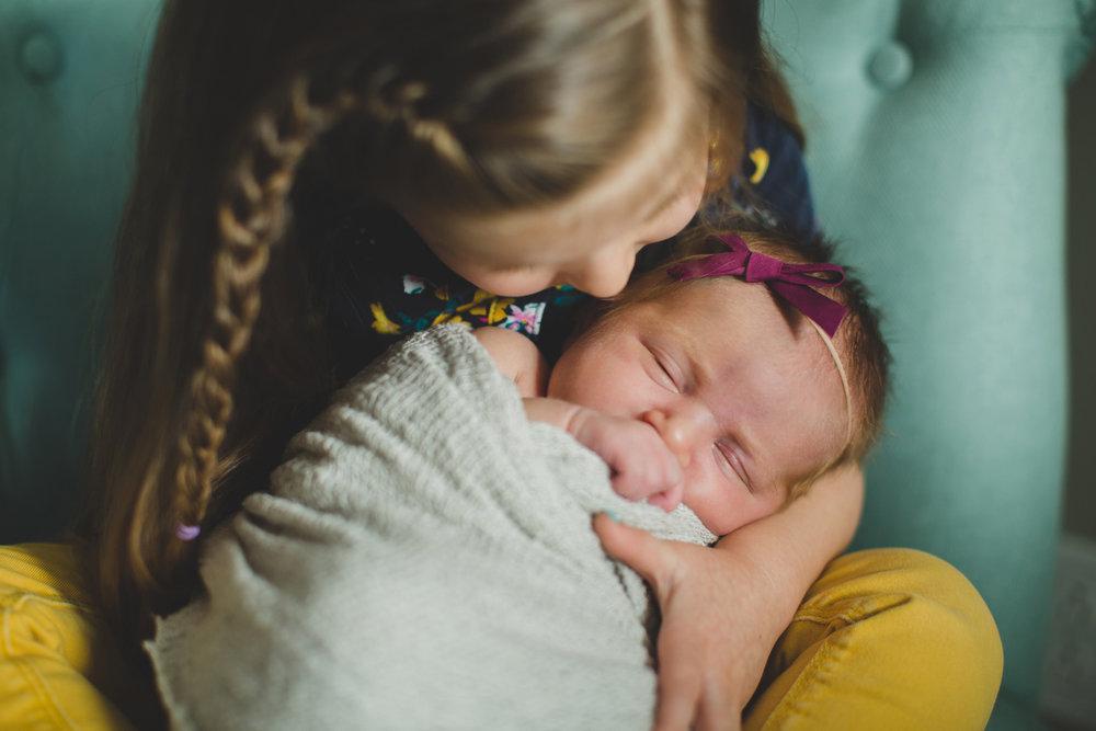 Tri Cities newborn photographer_lifestyle newborn_Kennewick photographer_richland photographer_family photographer_baby photographer_child photographer_4