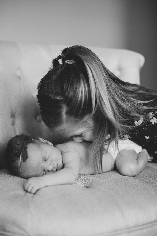 Tri Cities newborn photographer_lifestyle newborn_Kennewick photographer_richland photographer_family photographer_baby photographer_child photographer_9