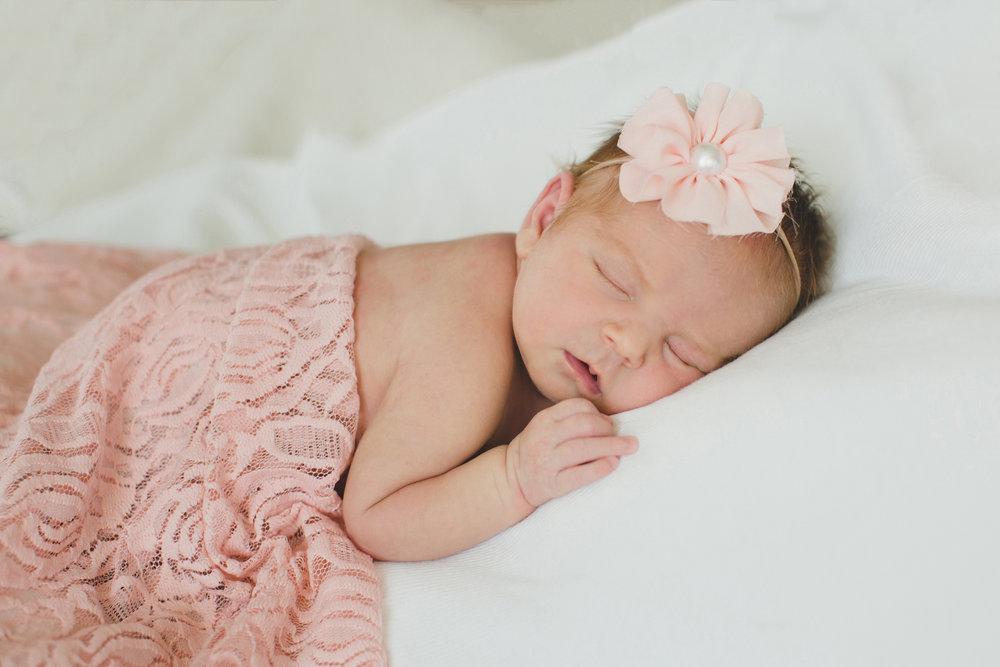 Tri Cities newborn photographer_lifestyle newborn_Kennewick photographer_richland photographer_family photographer_baby photographer_child photographer_14