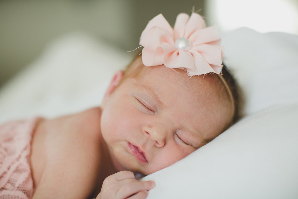Tri Cities newborn photographer_lifestyle newborn_Kennewick photographer_richland photographer_family photographer_baby photographer_child photographer_15