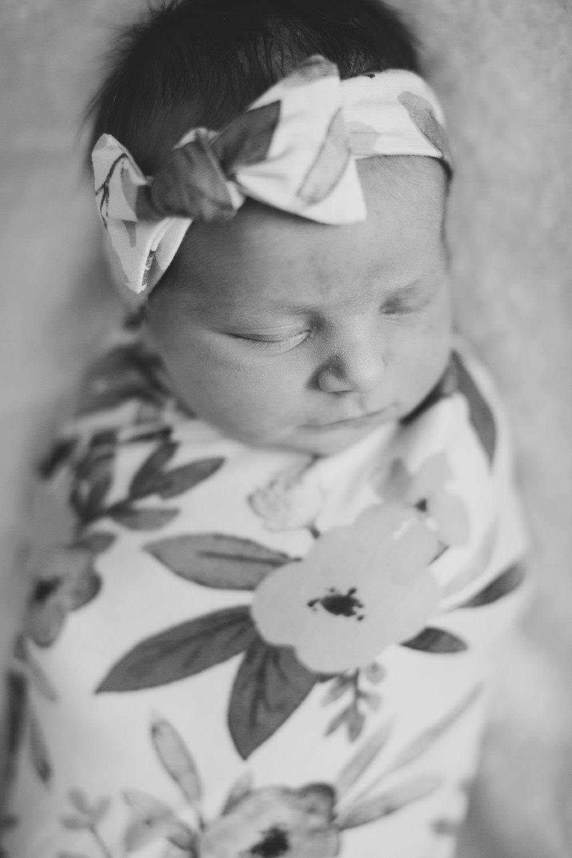 Tri Cities newborn photographer_lifestyle newborn_Kennewick photographer_richland photographer_family photographer_baby photographer_child photographer_21