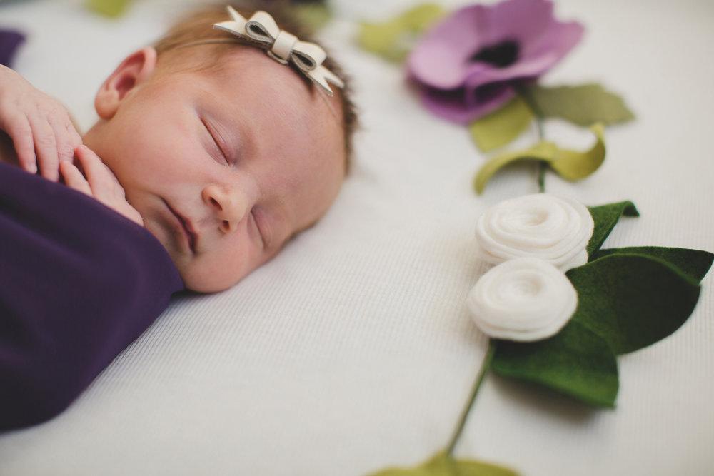 Tri Cities newborn photographer_lifestyle newborn_Kennewick photographer_richland photographer_family photographer_baby photographer_child photographer_27