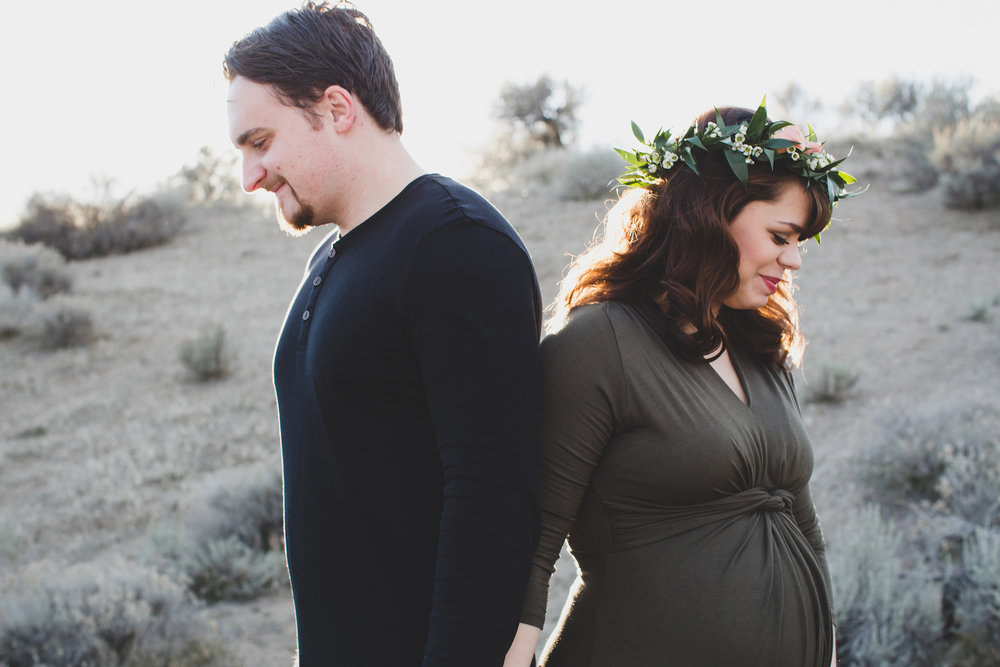 Tri Cities Maternity photographer_tri cities maternity_richland photographer_kennewick photographer_maternity session_red mountain_mama to be_parents to be_tri cities family session_red mountain trails_sage brush_horse_desert session_sunset session_2