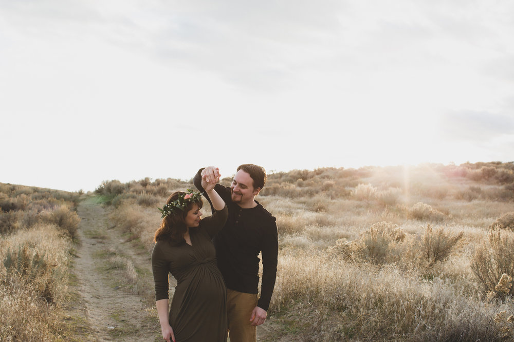 Tri Cities Maternity photographer_tri cities maternity_richland photographer_kennewick photographer_maternity session_red mountain_mama to be_parents to be_tri cities family session_red mountain trails_sage brush_horse_desert session_sunset session_13