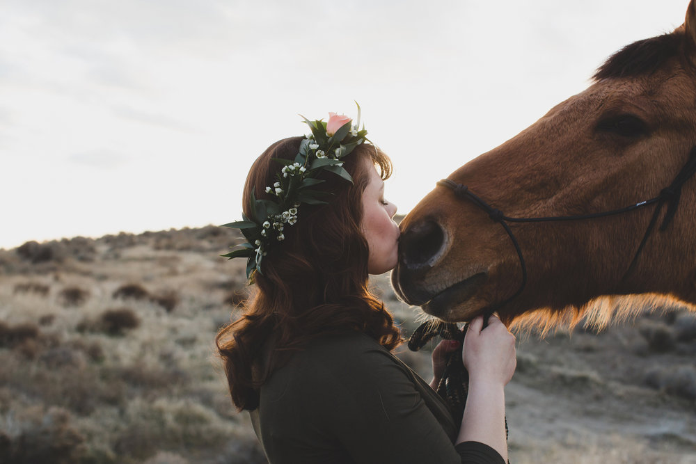 Tri Cities Maternity photographer_tri cities maternity_richland photographer_kennewick photographer_maternity session_red mountain_mama to be_parents to be_tri cities family session_red mountain trails_sage brush_horse_desert session_sunset session_22