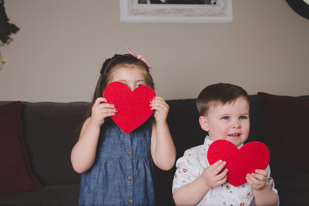 Tri Cities Photographer_Valentines day_family photos_kissing booth_Tri Cities family photographer_Kennewick photographer_richland photographer_17