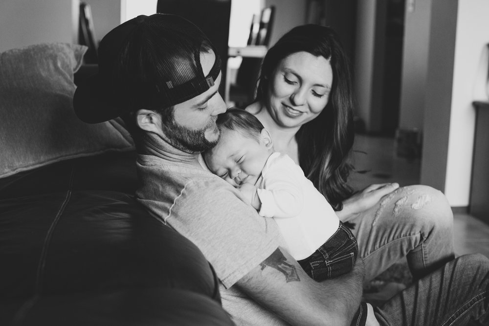 Jordan Edens Photography_tri cities photographer_kennewick photographer_richland photographer_tri cities family photographer_tri cities lifestyle photographer_family photos_baby photos_memories and milestones_lifestyle newborn session_tri cities in home photo session_15