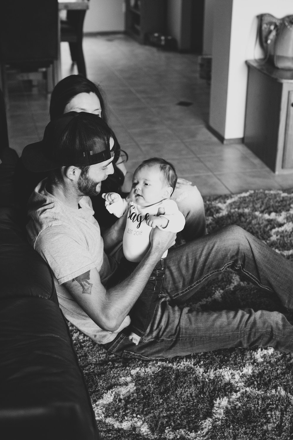 Jordan Edens Photography_tri cities photographer_kennewick photographer_richland photographer_tri cities family photographer_tri cities lifestyle photographer_family photos_baby photos_memories and milestones_lifestyle newborn session_tri cities in home photo session_16