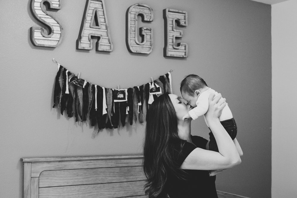 Jordan Edens Photography_tri cities photographer_kennewick photographer_richland photographer_tri cities family photographer_tri cities lifestyle photographer_family photos_baby photos_memories and milestones_lifestyle newborn session_tri cities in home photo session_22