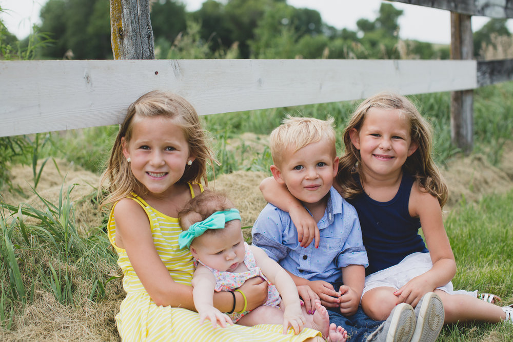 Jordan Edens Photography_Tri cities photographer_tri cities family photographer_kennewick photographer_richland photographer_travel photographer_iowa photographer_family photos_lifestyle family_child photographer_memories and moments_17