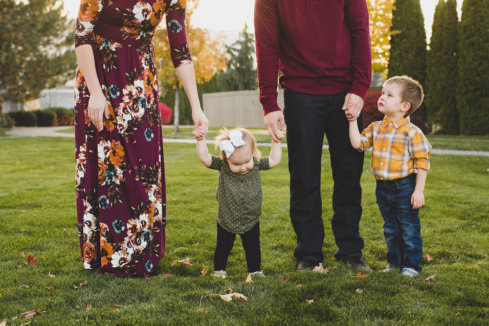 Jordan Edens Photography_tri cities photographer_tri cities portrait photographer_richland photographer_kennewick photographer_portrait photographer_tri cities family photographer_family photos_child photos_newborn photos_2018 favorites_39