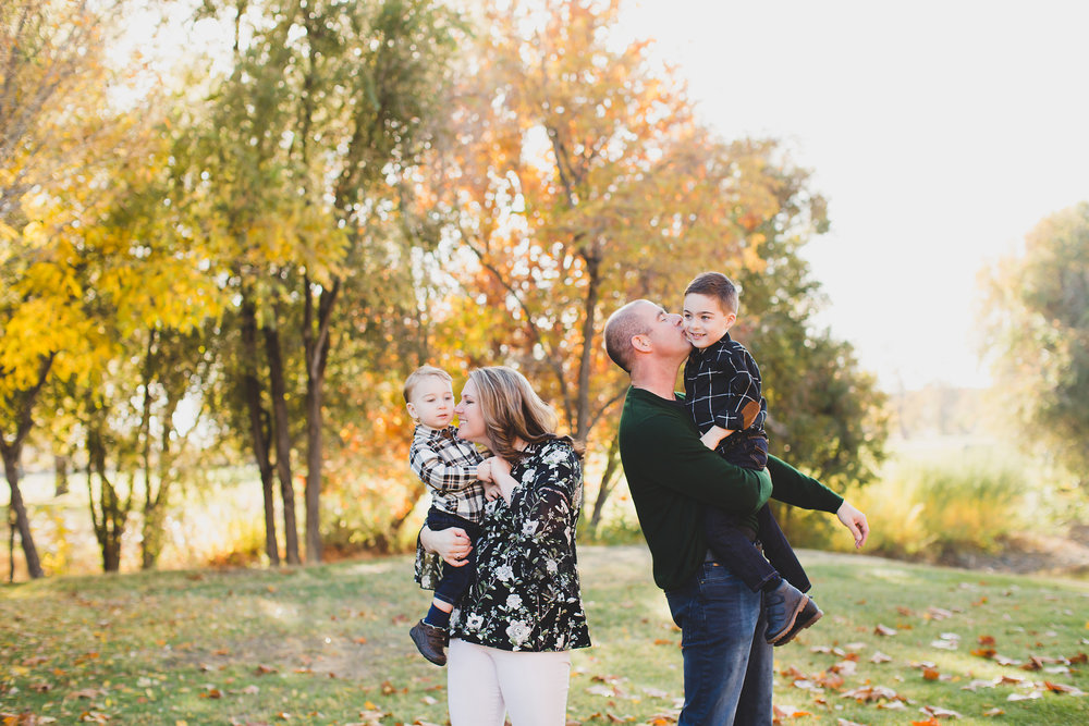 Jordan Edens Photography_tri cities photographer_tri cities portrait photographer_richland photographer_kennewick photographer_portrait photographer_tri cities family photographer_family photos_child photos_newborn photos_2018 favorites_43