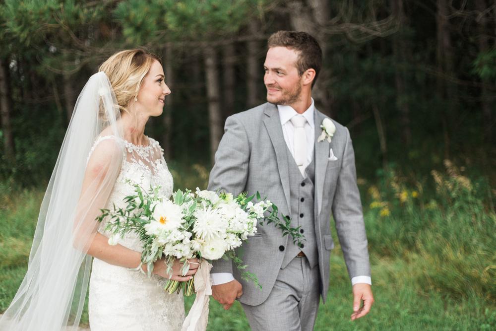 keila-marie-photography-winnipeg-wedding-photographer-pineridge-hollow-stone-house-creative