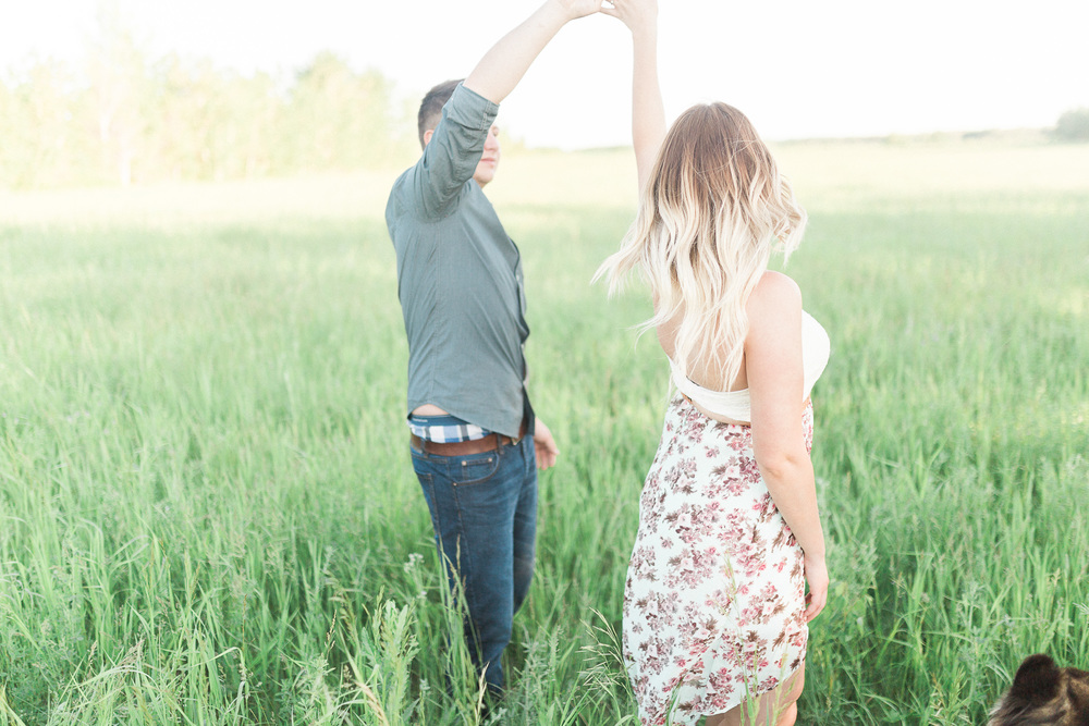 Country Backyard Engagement Session | Winnipeg Wedding Photographer | Keila Marie PHotography