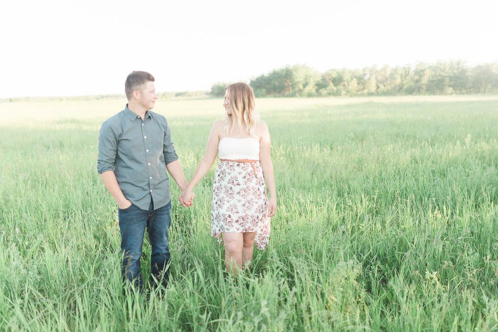 Country Backyard Engagement Session | Winnipeg Wedding Photographer | Keila Marie Photography