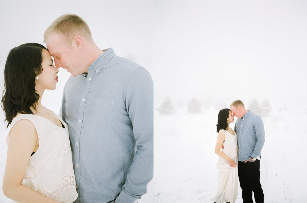 Winter Engagement Session | couples photoshoot ideas for cold Canadian winters | Photographed by Keila Marie Photography